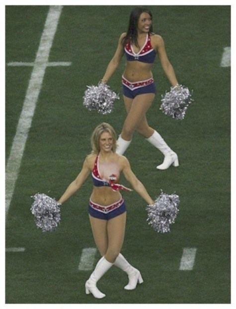 20-embarrassing-and-hilarious-sport-wardrobe-malfunctions-7